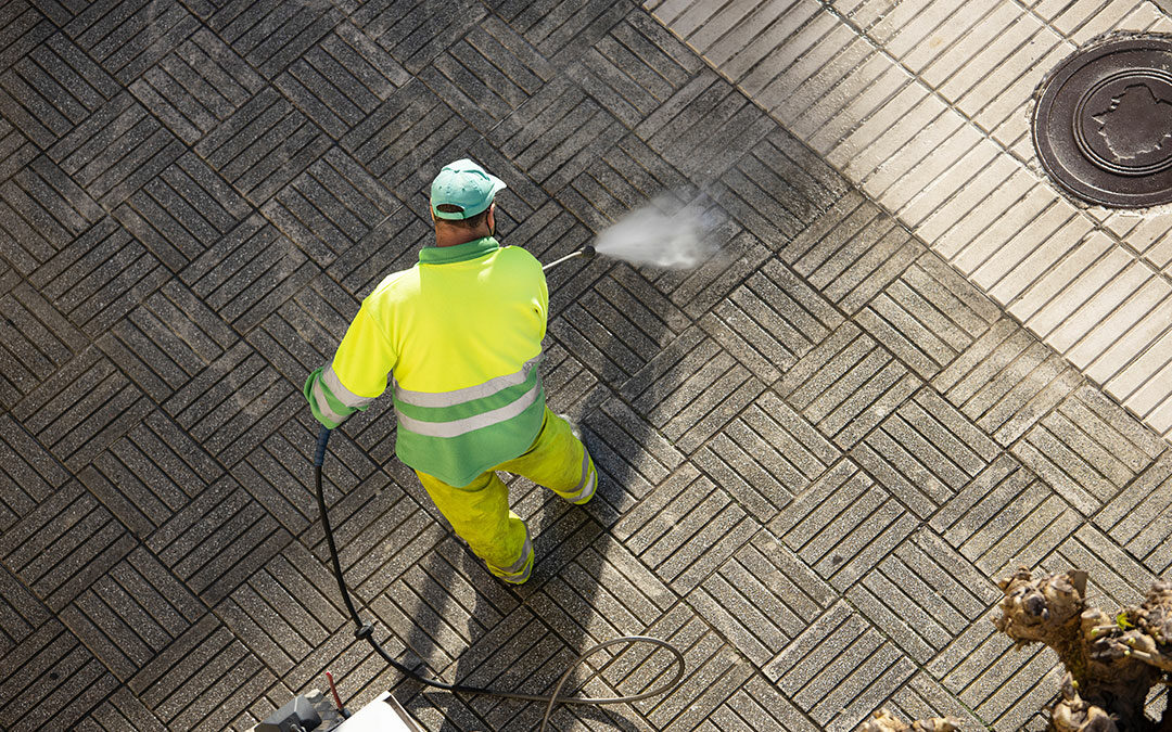 Nettoyage des espaces extérieurs : Le Transit travaille dans le respect de l'environnement